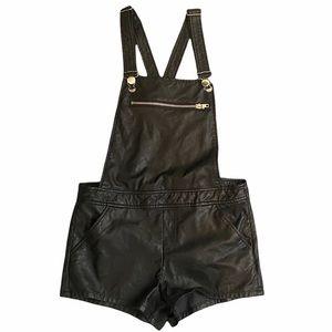 Final price drop 🌸Vintage faux leather short-alls